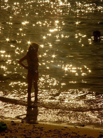 child_beach_golden